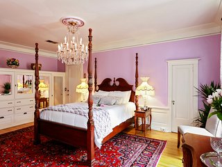 300 Clifton : Hisotric Eugene Carpenter Mansion #1 - Minneapolis vacation rentals