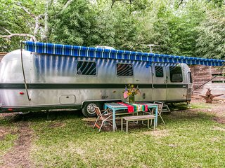 Emma The Airstream In Little Forest Hills - Dallas vacation rentals