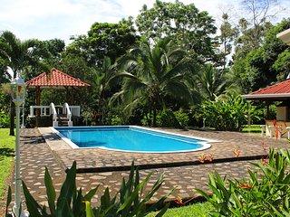 CDCR - The Emerald Estate 50% DISCOUNT Sept-Dec 14 - La Fortuna de San Carlos vacation rentals