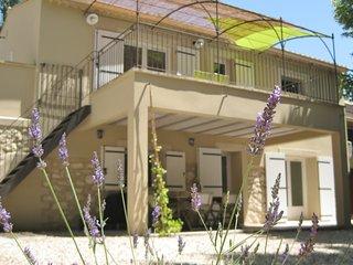 """Gîte de campagne """"Mas la Mounine"""" en Provence - Orgon vacation rentals"""
