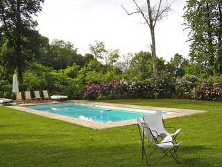 Spacious 6 bedroom Villa in Dormelletto - Dormelletto vacation rentals