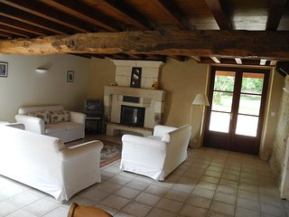 Perfect 4 bedroom Montboyer Villa with Satellite Or Cable TV - Montboyer vacation rentals