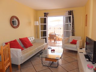 Lovely 2 bedroom Apartment in Fanabe - Fanabe vacation rentals