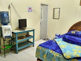 Juned Homestay Kamaran di Kota Batu Malang - Batu vacation rentals