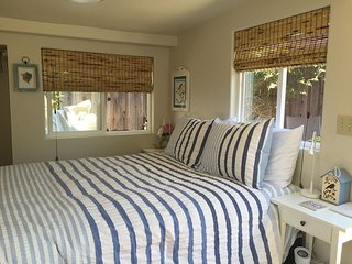Studio Cottage lovely patio, quiet setting. - Santa Cruz vacation rentals