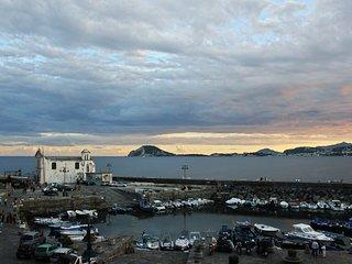 Monolocale soppalcato vista darsena - Pozzuoli vacation rentals