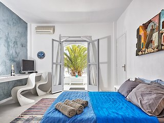 GREEK GODDESS SPICY INDIGO - Perissa vacation rentals