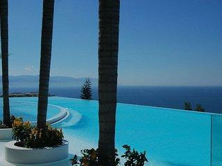 Avalon-Luxury Condo overlooking the Bay - Puerto Vallarta vacation rentals