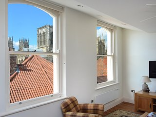 Luxury apartment in city center, Minster view - York vacation rentals