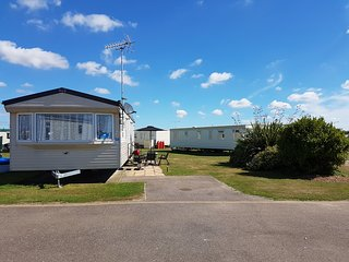 Beach Caravan - Deluxe  Extra Wide Caravan - Clacton-on-Sea vacation rentals