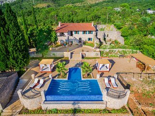 "Old Stone Villa With Swimming Pool  ""Talici Hill"" - Sutomore vacation rentals"