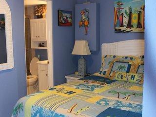 Beach Front  1 Bedroom Condo Very Nice Sleeps 4 - Pompano Beach vacation rentals
