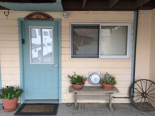 Cozy Condo with Internet Access and Wireless Internet - Livingston vacation rentals