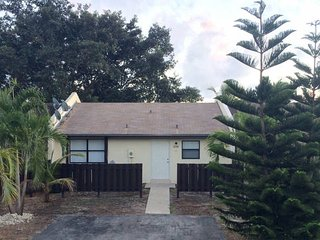 Near Florida Everglades, Keys, Homestead Speedway! - Homestead vacation rentals