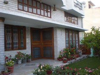 Cozy 3 bedroom Dehradun Bungalow with A/C - Dehradun vacation rentals