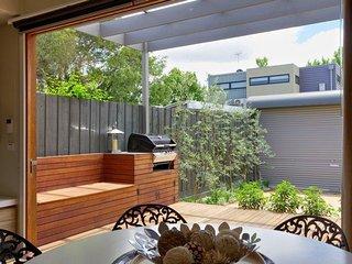 Victorian Vogue 7 night minimum stay - Melbourne vacation rentals