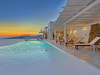 Bright 8 bedroom Villa in Mykonos Town with Internet Access - Mykonos Town vacation rentals