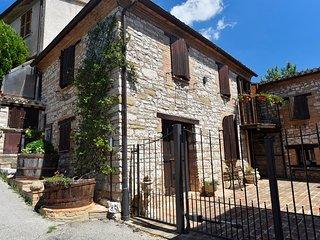 3 bedroom House with Washing Machine in Serrapetrona - Serrapetrona vacation rentals