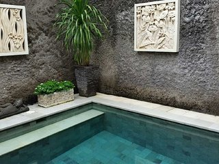 KUTA- VILLA TAWA - Large Kuta Royal Villa - Bali - Kuta vacation rentals