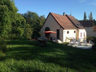Grande maison de caractère à 5 minutes de Vichy - Creuzier-le-Vieux vacation rentals