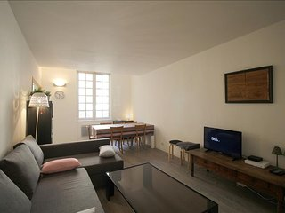 Quai Richelieu 2 - Apartement with terrasse and balcony in the center - Bordeaux vacation rentals