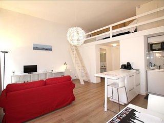 Buhan - Studio with Balcony in the Heart of Bordeaux - Bordeaux vacation rentals