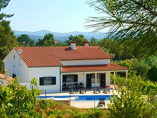 Villa Pedreiro, 3 bed villa with pool, sleeps 10 - Tomar vacation rentals