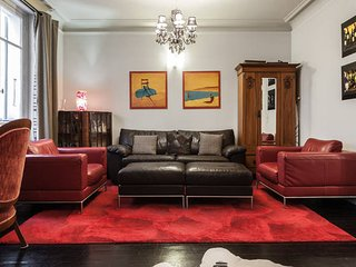 PerfectlyParis Luxurious Laborde sleeps 5 - Paris vacation rentals