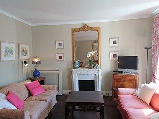 PerfectlyParis Caulaincourt Charm sleeps 3 - Paris vacation rentals