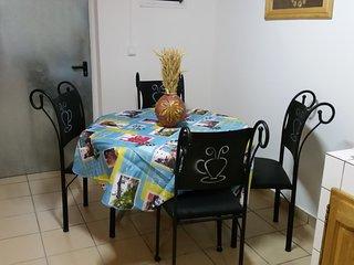 Location de vacances F2, neuf, Spacieux, au calme - Saint-Benoit vacation rentals