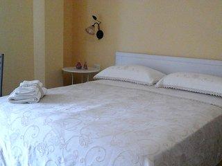 Al Bosco delle Api stanza APE REGINA - Missanello vacation rentals