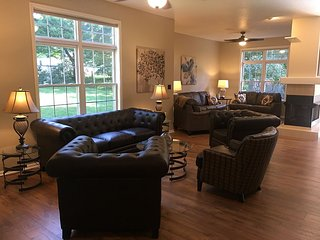 Comfortable, Clean, Roomy, and Close to the Action - Nashville vacation rentals