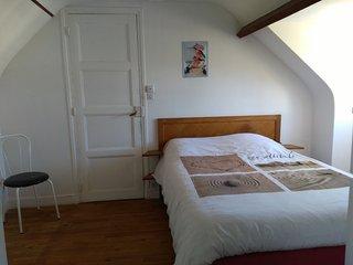 Chambre agréable dans maison 100 m de la plage - Courseulles-sur-Mer vacation rentals
