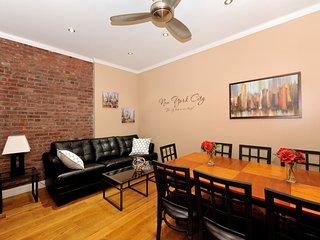 Midtown West 4 bed 2 bath - New York City vacation rentals