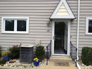 Remodeled townhome, walk to town and beach - Rehoboth Beach vacation rentals