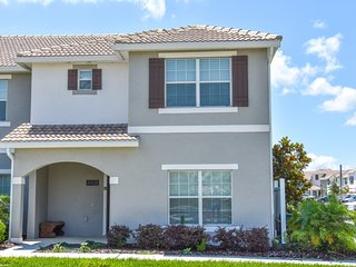 5 Bedr at Storey Lake mins to Disney! Modern decor - Kissimmee vacation rentals