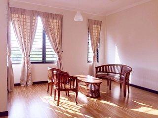 Fantastic SemiD 4BR 8-20pax Klang - Klang vacation rentals