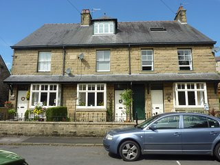 4 Bedroomed Victorian House in heart of Tideswell - Tideswell vacation rentals