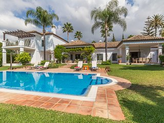 5 bedroom Villa with Shared Outdoor Pool in Marbella - Marbella vacation rentals