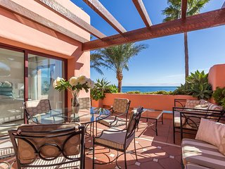 Nice 3 bedroom Estepona Apartment with Shared Outdoor Pool - Estepona vacation rentals