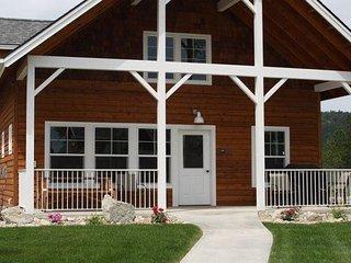 2 Floor, 3 Bedroom, 3 Bath Bungalow! - Dover vacation rentals