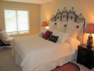 #162- Great Lake and Mountain Retreat - 3Bed/2Bath - Lake Harmony vacation rentals