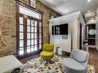 Sleek Chicago Studio Suite in Phenomenal Location! - Chicago vacation rentals