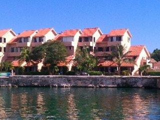 Condo by the Sea at Puerto Aventuras, Quintana Roo - Puerto Aventuras vacation rentals