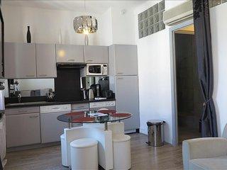 Viva Riviera  10 Rue Florian - Sobo - Cannes vacation rentals