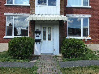 Nice Condo with Central Heating and Housekeeping Included - Granby vacation rentals