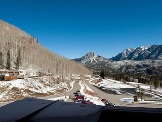 Affordable Luxury Condo - Great Views - Steps to Lifts - Free Night Offer - Durango vacation rentals
