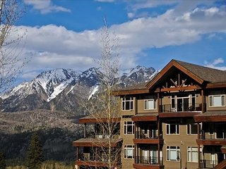 Luxury Condo by Main Plaza - Walk to Slopes - Free Night Offer - Gas Grill - Durango vacation rentals