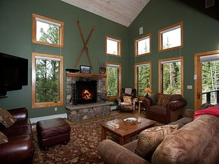 Luxury Home on Creek - Pool Table/Hot Tub/Fire Pit/Kid Playroom - Durango vacation rentals