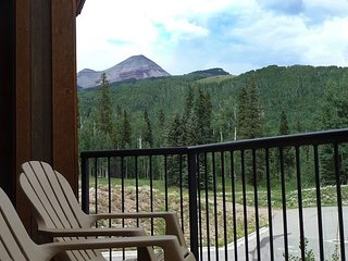 Luxury Modern Townhome - Amazing Views - 4th Night Free - Free Ski Shuttle - Durango vacation rentals